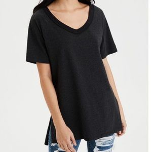 AE Oversized V-Neck T-Shirt
